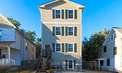 Building, 728 Lawrence St NE, 1