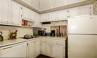 Kitchen, 7807 Golf Cir Dr 203, 1