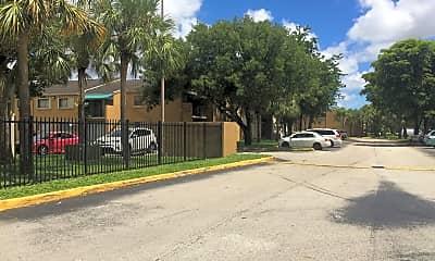 Magnolia Lane, 2