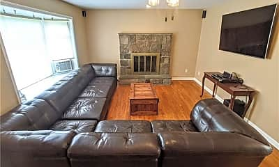 Living Room, 83 W Wooster St, 1