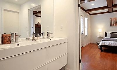 Bathroom, 151 W Kalmia St, 2