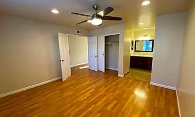 Bedroom, 17007 Leslie Ave, 2