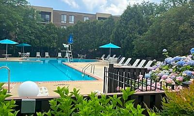 Pool, 803 N Howard St 445, 2
