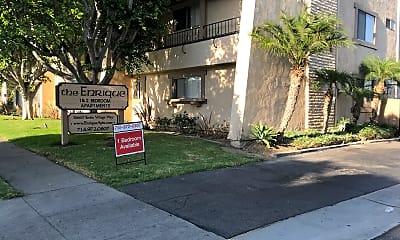Enrique Apartments, 1