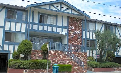 Building, 16111 Prairie Ave, 1