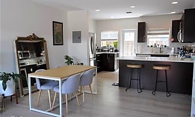 Kitchen, 808 NE 17th Way, 2