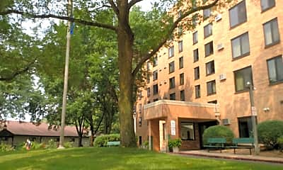 Park Tower Apartments, 2