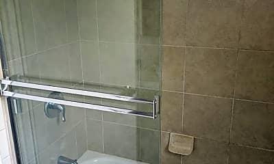 Bathroom, 225 Manzanita Ave, 2