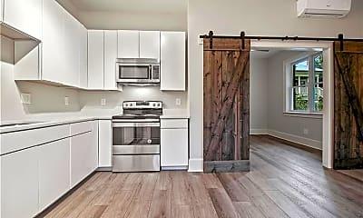 Kitchen, 940 St Charles Ave NE C, 1