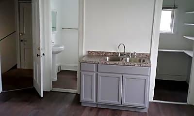 Kitchen, 932 W Chambers St, 1