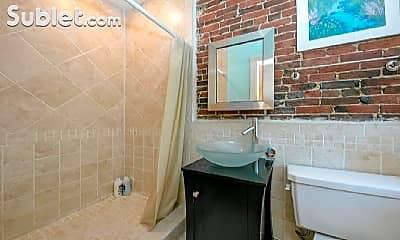 Bathroom, 36-38 Melrose St, 2