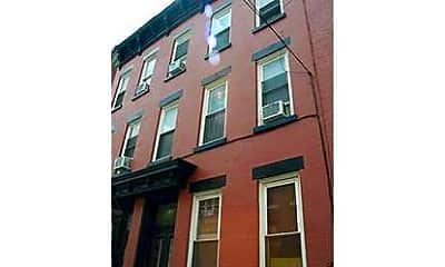 Building, 341 Bloomfield St 3E, 0