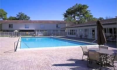 Pool, 870 Nw 81st Terr, 2
