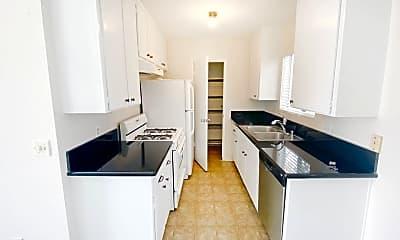 Kitchen, 637 Manhattan Beach Blvd, 1