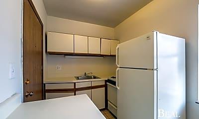 Kitchen, 821 W Cornelia Ave, 1