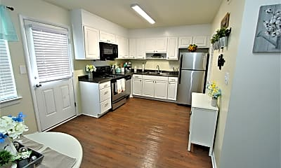 Kitchen, Colonial Townhouse Apartments, 1