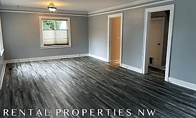 Living Room, 1524 Baker Ave, 1