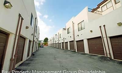 Building, 878 Pennock St, 2