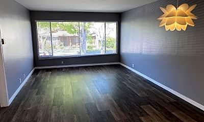 Living Room, 5350 E La Pasada St, 1