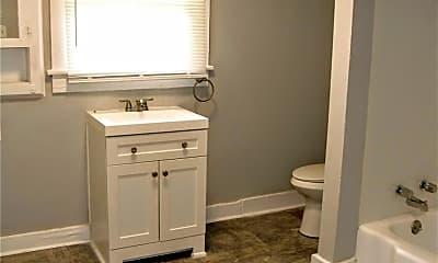 Bathroom, 1317 E 38th St, 2