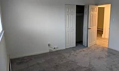 Bedroom, 1070 W Bridge St, 1