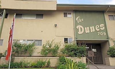Dunes, The, 2