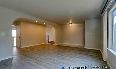 Living Room, 3660 Callan Boulevard, 1