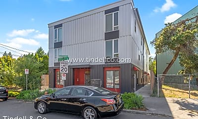 Building, 4223 N Massachusetts Ave, 1
