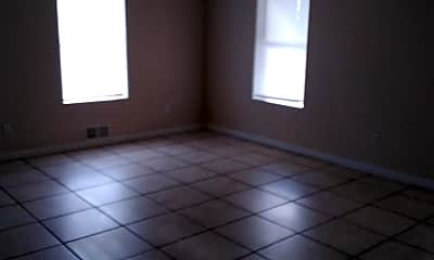 Living Room, 707 S Poplar St, 0