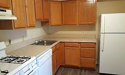 Kitchen, Shenandoah Village Apartments, 0