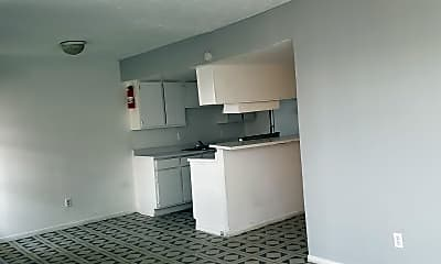 Building, 8016 Meadowbrook Dr, 2