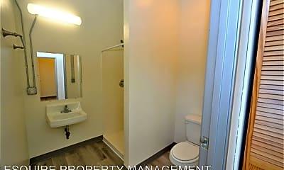 Bathroom, 2201 Statham Blvd, 2