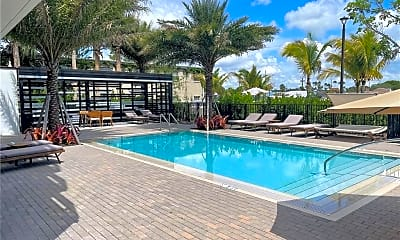 Pool, 611 NE 29th Dr 403, 0