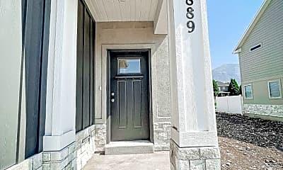 Building, 889 E 180 N, 1