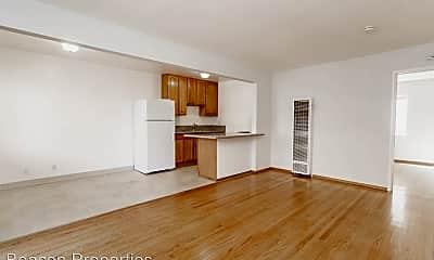 Living Room, 3084 Richmond Blvd, 1