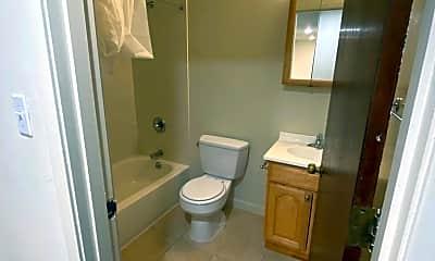 Bathroom, 140 Dolores St, 2