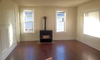 Living Room, 736 Oak St, 1