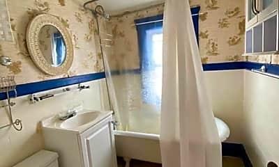 Bathroom, 41 Oliver St, 1