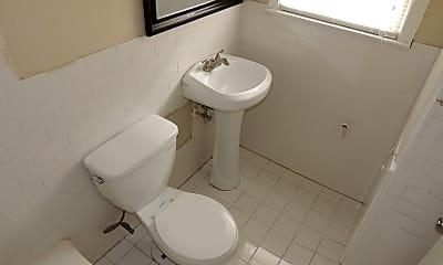 Bathroom, 2212 N Fitzhugh Ave, 2