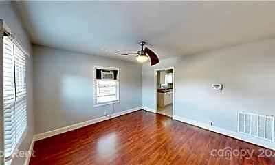 4205 Commonwealth Ave, 1