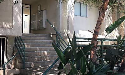 Magnolia Apartments, 1