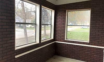 Living Room, 7093 Spencer St, 2