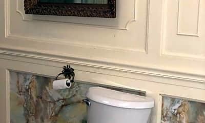 Bathroom, 15 SW 5th St, 1