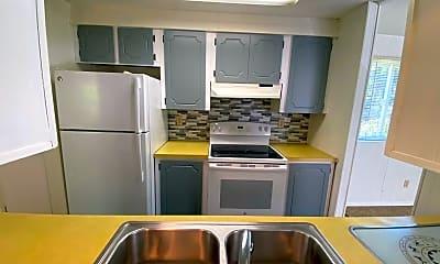 Kitchen, 2119 Aldergrove Rd, 1