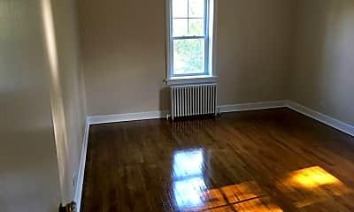 Living Room, 5648 N Ridge Ave, 2