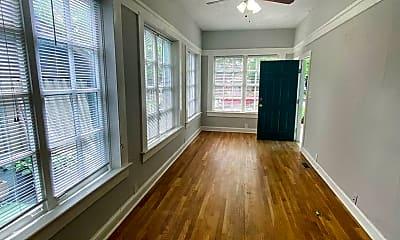 Living Room, 679 Linwood Ave NE, 1