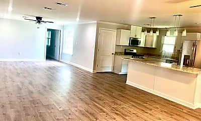 Living Room, 41 Linda Ln, 1