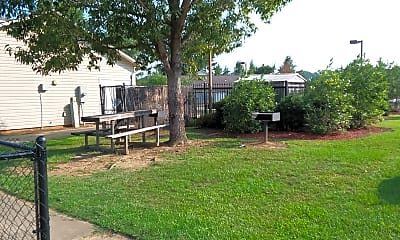 Dogwood Park Apartments, 2