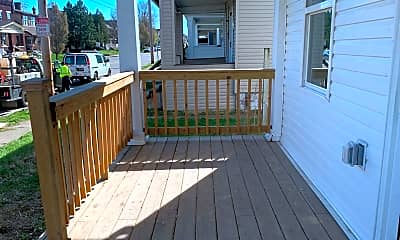 Patio / Deck, 665 E Whittier St, 1
