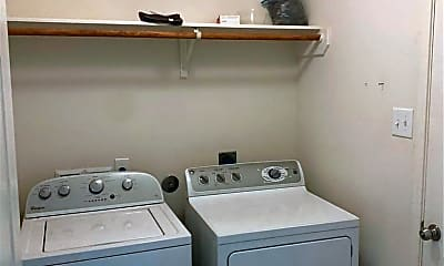 Bathroom, 2114 Pine Knoll Way, 2